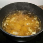 Foto de sopa de lentejas con naranja