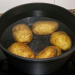 Patatas-con-salsa-de-queso-paso-1