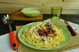 Spaguettis-con-gambas-y-jamon
