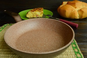 Tortilla de patata con repollo y jamon