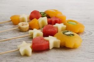 brochetas de fruta para repostería
