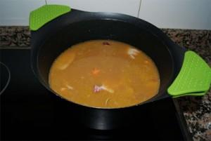 Sopa de frutos del mar paso 3