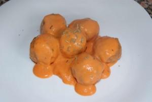 albondigas salsa pimientos