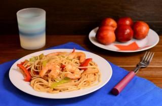 espaguetis-verduras-langostinos