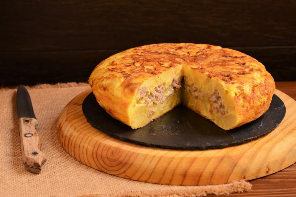 receta-tortilla-patata-ternera-queso-azul