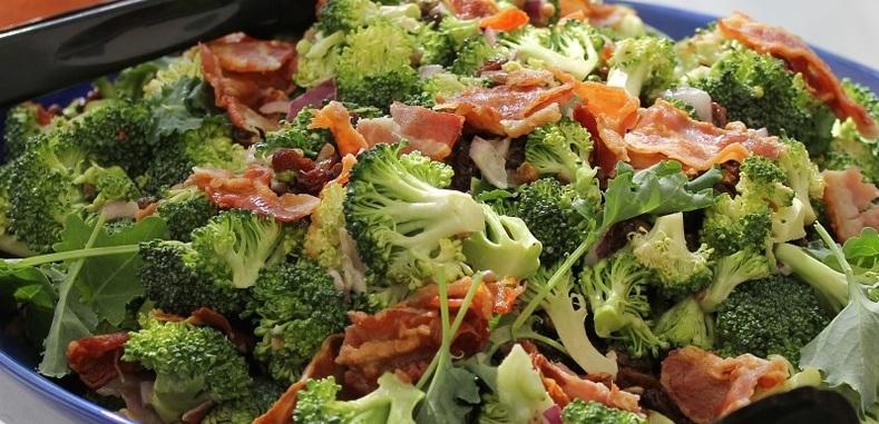 brocoli-bacon-frutos-secos