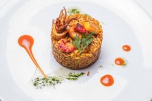 deliciosa-paella-comida-arroz-cocina_1350-80
