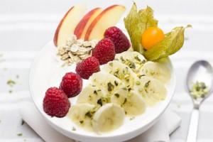 desayuno-yogurt-fruta